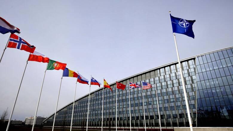 «Ο Τζο Μπάιντεν μόλις άναψε το πράσινο φως για έναν ευρωπαϊκό στρατό»
