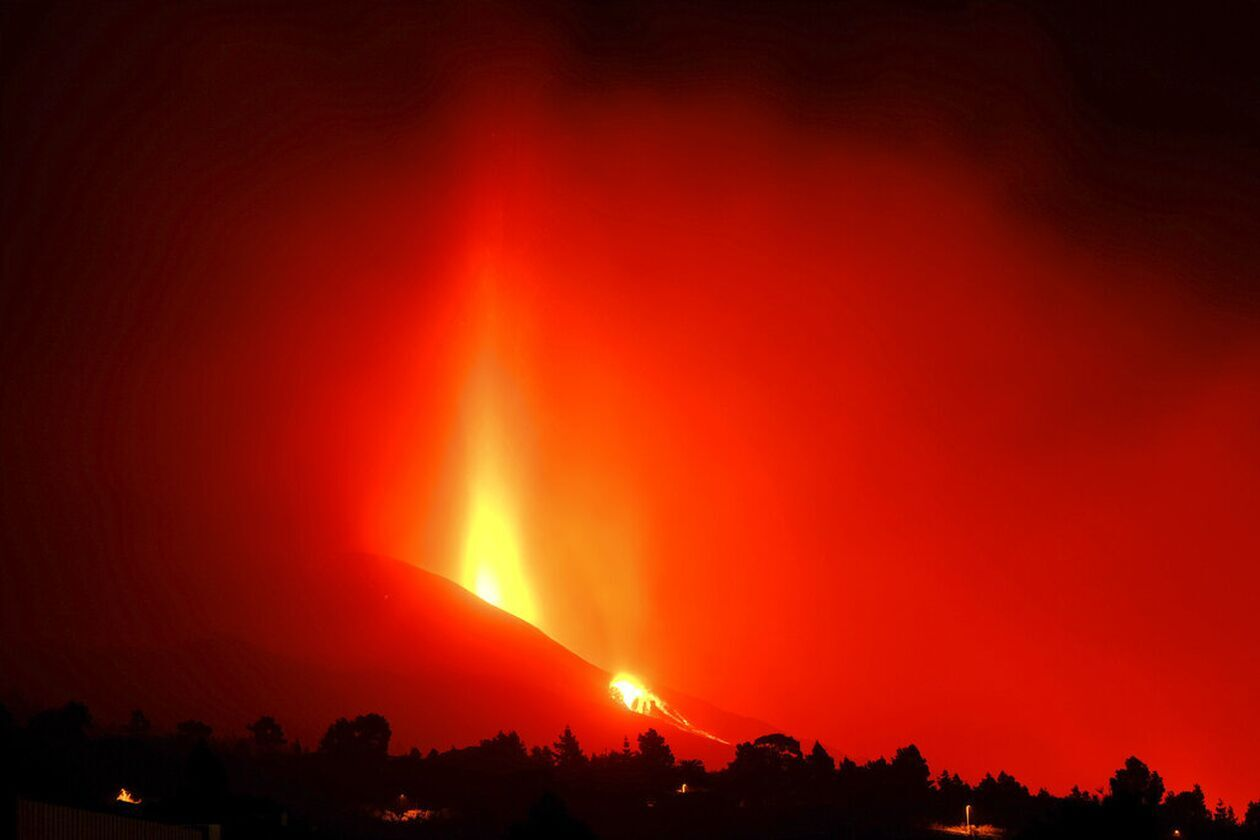 https://cdn.cnngreece.gr/media/news/2021/09/27/283169/photos/snapshot/lava-6.jpg