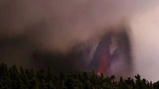 Λα Πάλμα: Το ηφαίστειο Κούμπρε Βιέχα άρχισε να εκλύει ξανά λάβα