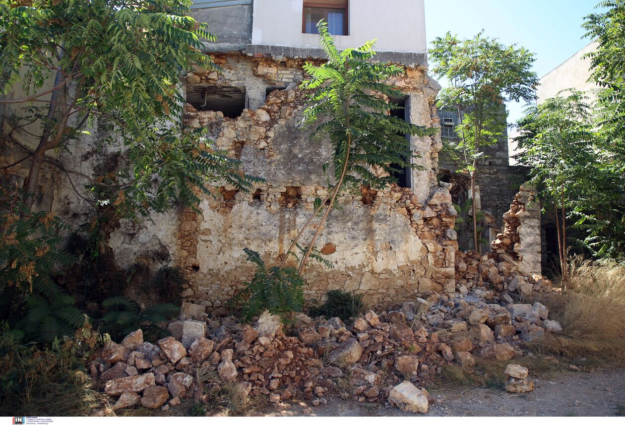 https://cdn.cnngreece.gr/media/news/2021/09/27/283191/photos/snapshot/seismos-arkalohori-3273718-1.jpg