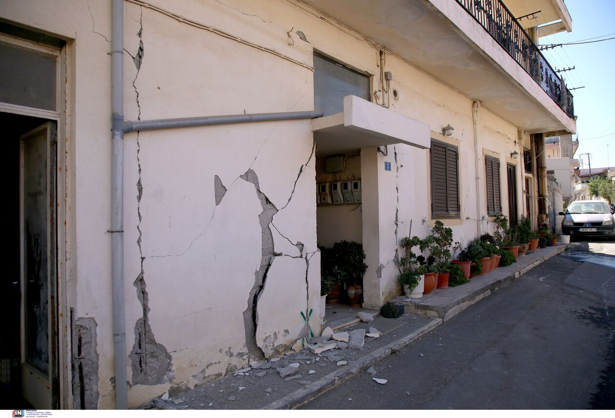 https://cdn.cnngreece.gr/media/news/2021/09/28/283209/photos/snapshot/seismos-arkalohori-3273742.jpg