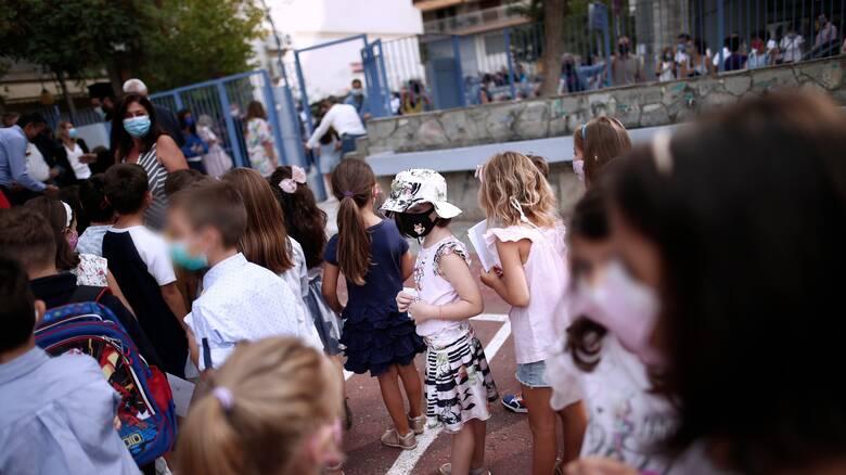 Κορωνοϊός - Σαρηγιάννης: Περιμένουμε 4.000 κρούσματα, θα νοσήσουν 70 χιλιάδες παιδιά