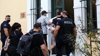Ληστεία στη Μητροπόλεως: Ποινική δίωξη στους συλληφθέντες - Ένταλμα σύλληψης για τον συνεργό