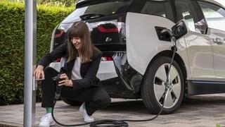 Η Bosch καταργεί τη μονάδα ελέγχου φόρτισης για τα ηλεκτρικά οχήματα