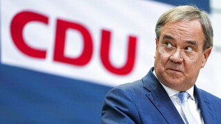 Γερμανία: Από μια κλωστή κρέμεται το μέλλον του Λάσετ - Σε «υπαρξιακό κίνδυνο» το CDU