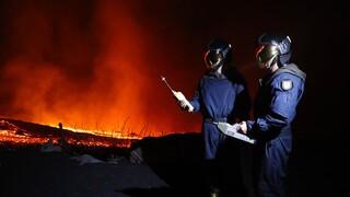 Λα Πάλμα: Έφτασε στον ωκεανό η λάβα - Ανησυχία για τοξικά αέρια