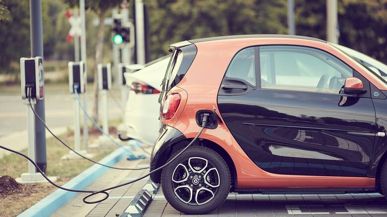 Σημαντική στροφή την καταναλωτών στην ηλεκτροκίνηση - Πόσα ηλεκτρικά αυτοκίνητα κυκλοφορούν
