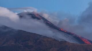 Ισπανία - Ηφαίστειο: Το πρώτο αεροσκάφος προσγειώθηκε στη Λα Πάλμα έπειτα από 48 ώρες lockdown
