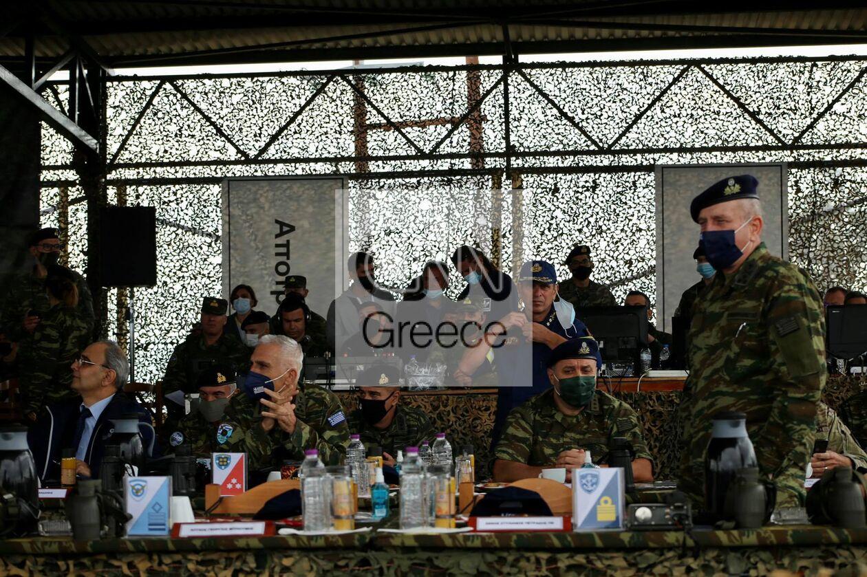 https://cdn.cnngreece.gr/media/news/2021/09/29/283474/photos/snapshot/parmenion-2021-236_n.jpg