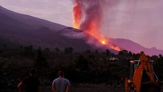 Λα Πάλμα: Νέο ποτάμι λάβας από το ηφαίστειο Κούμπρε Βιέχα