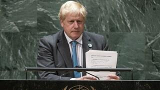 Βρετανία: Ο Τζόνσον εξετάζει το ενδεχόμενο αναθεώρησης των ρυθμίσεων περί μετανάστευσης