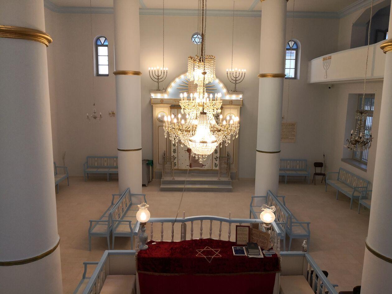 https://cdn.cnngreece.gr/media/news/2021/10/03/283902/photos/snapshot/30-9-2021-sinagogi.jpg