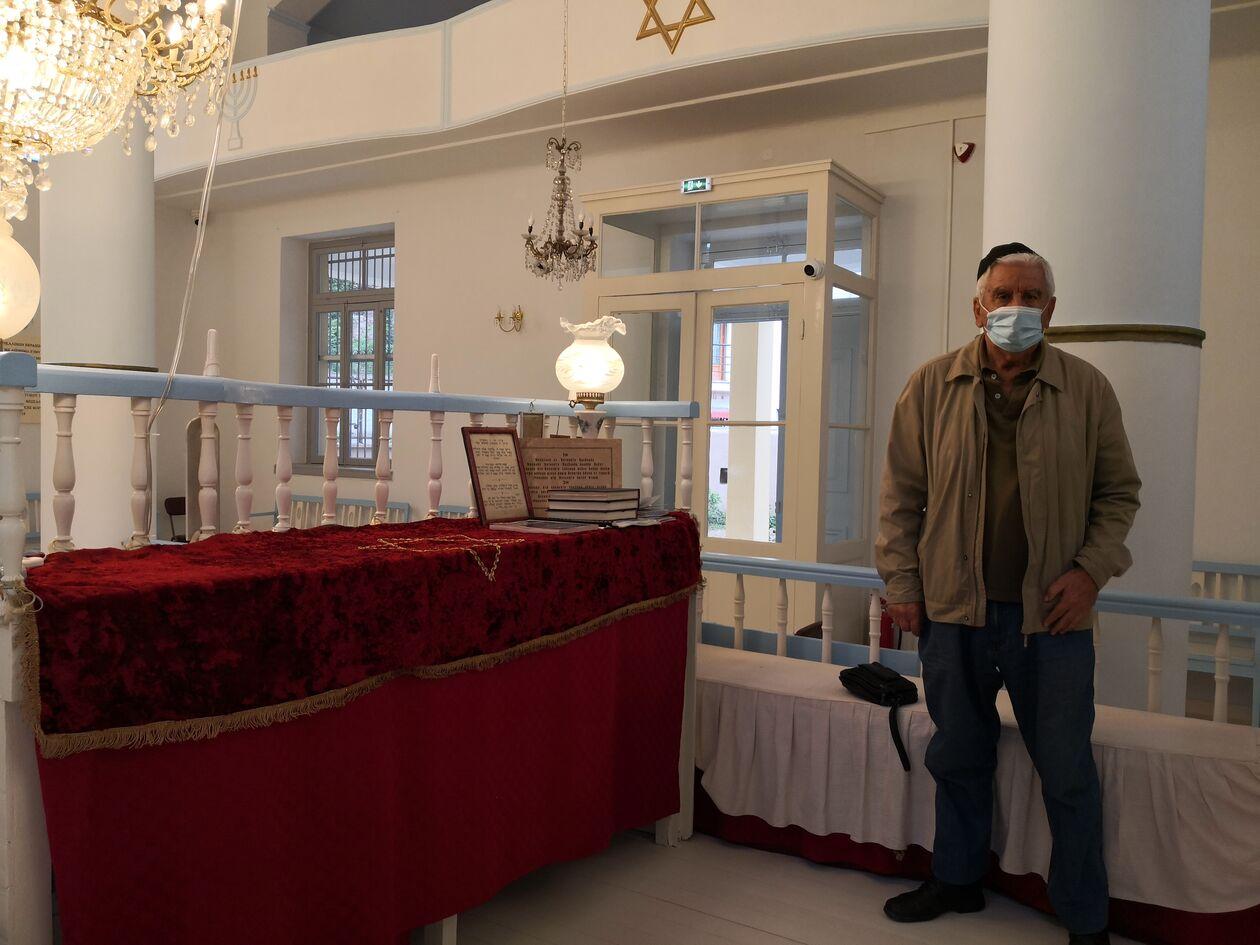 https://cdn.cnngreece.gr/media/news/2021/10/03/283902/photos/snapshot/30-9-2021-sinagogi2.jpg