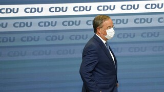 Γερμανία - Δημοσκόπηση: Πιο κάτω και από το ιστορικό χαμηλό των εκλογών το συντηρητικό μπλοκ