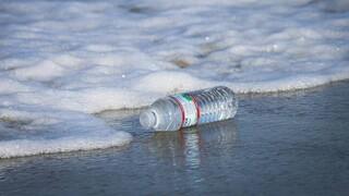 ΕΛΚΕΘΕ: Περίπου 3.760 τόνοι πλαστικών πλέουν σήμερα στη Μεσόγειο