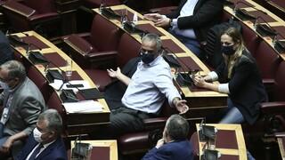 Συμφωνία Ελλάδας - Γαλλίας: Ένταση με το «καλημέρα» στη Βουλή - Λαζαρίδης κατά Σκουρλέτη