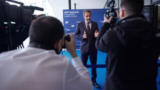Στο Ευρωπαϊκό Συμβούλιο ο Μητσοτάκης: Ενημέρωση για την ελληνογαλλική συμφωνία
