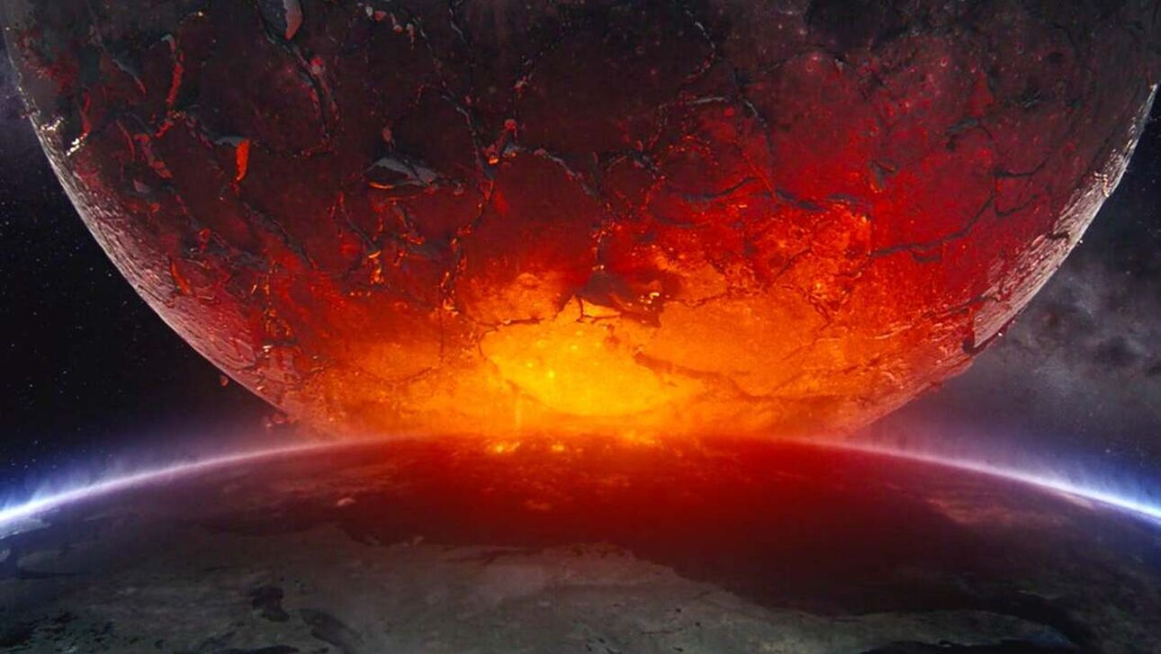 Moonfall: Το Χόλιγουντ ρίχνει το φεγγάρι στα κεφάλια μας - Πόσο πιθανό είναι να συμβεί όντως αυτό;