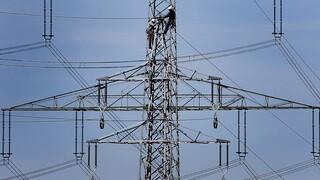 Ευρώπη: Γιατί τα νοικοκυριά πληρώνουν ακριβότερους λογαριασμούς ενέργειας