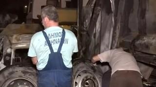 Πατήσια: Φωτιά σε απορριμματοφόρο - Κάηκαν 11 αυτοκίνητα