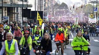 Βέλγιο: Δεκάδες χιλιάδες διαδηλωτές στη μεγάλη πορεία για το κλίμα στις Βρυξέλλες