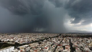 Καιρός: Ισχυρές βροχές και καταιγίδες στο μεγαλύτερο μέρος της χώρας