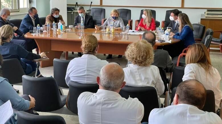 Κορωνοϊός: Νέα περιοδεία Γκάγκα στα νοσοκομεία της Βόρειας Ελλάδας