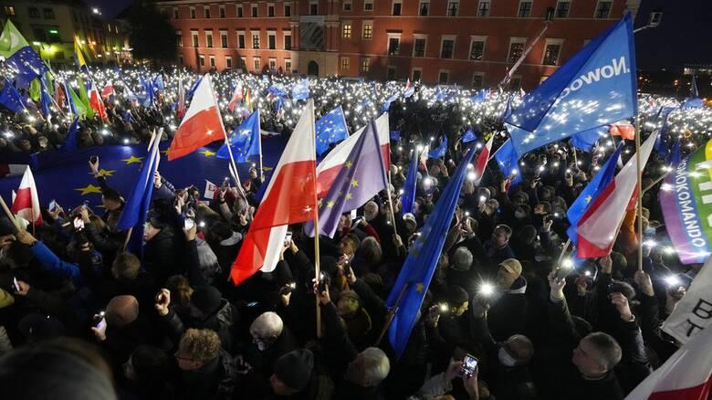 Πολωνία: Διαψεύδει τα περί Polexit ο πρωθυπουργός της χώρας