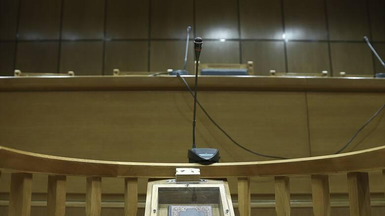 Θεσσαλονίκη: Αρνείται τις κατηγορίες για σεξουαλική παρενόχληση ο καθηγητής-γυναικολόγος