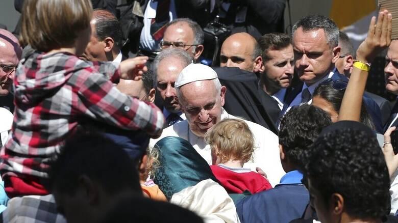 Στη Μυτιλήνη επιστρέφει ο Πάπας Φραγκίσκος στηρίζοντας τους πρόσφυγες