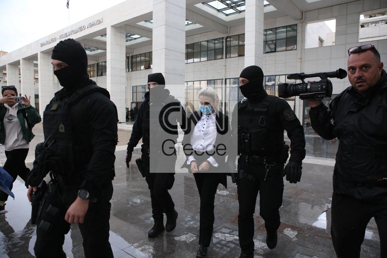 https://cdn.cnngreece.gr/media/news/2021/10/14/285302/photos/snapshot/diki-bitrioli-7.jpg