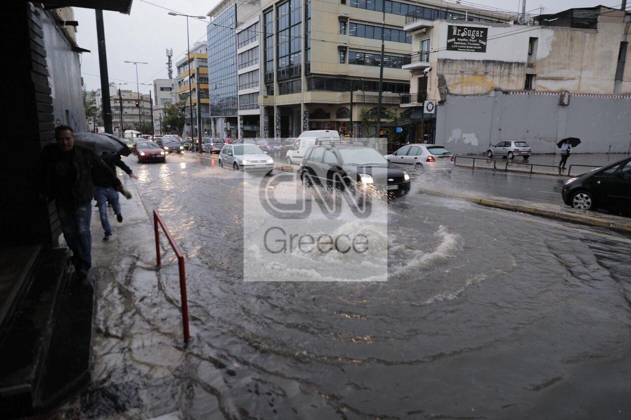 https://cdn.cnngreece.gr/media/news/2021/10/14/285385/photos/snapshot/PEIRAIOS.jpg