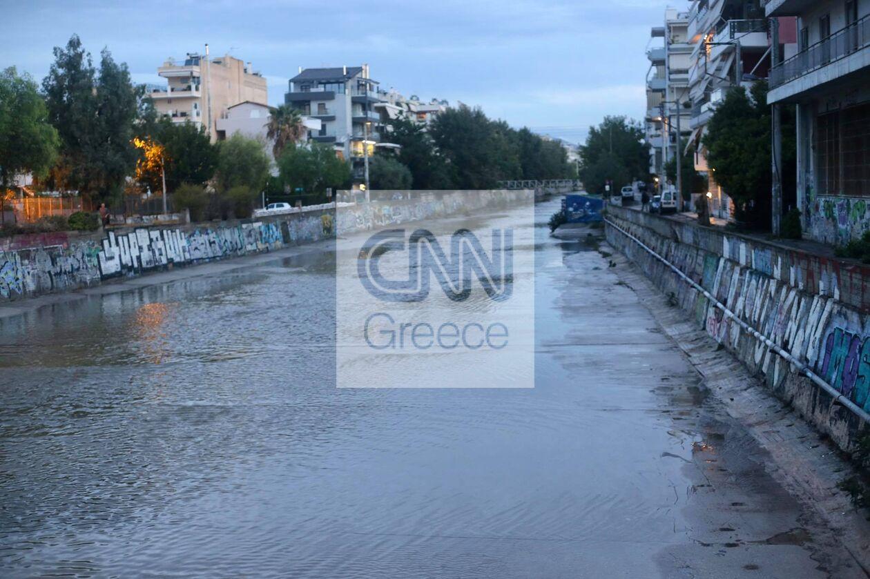 https://cdn.cnngreece.gr/media/news/2021/10/15/285409/photos/snapshot/ballos_Attiki_spyros-2.jpg