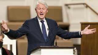 Στην εντατική ο Μπιλ Κλίντον - Νοσηλεύεται με λοίμωξη του ουροποιητικού