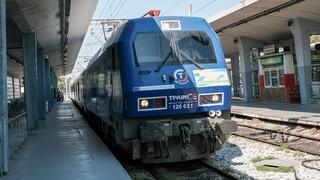 Θεσσαλονίκη: Εκτροχιάστηκε τρένο λίγο πριν το σταθμό - Καλά στην υγεία τους οι επιβάτες