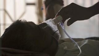 Κορωνοϊός: Ανησυχία για τους θανάτους ασθενών ηλικίας 18-35 ετών