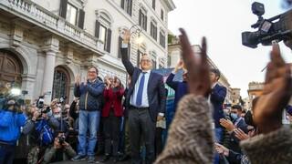Ιταλία: Θρίαμβος της Κεντροαριστεράς στις κάλπες των δημοτικών εκλογών