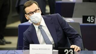 H Πολωνία «τεστάρει» τα νεύρα της ΕΕ – Για εκβιασμό κατηγορεί την Ένωση ο πρωθυπουργός Μοραβιέτσι