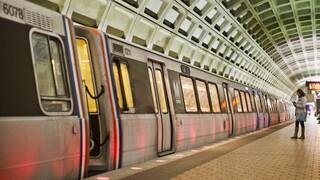 ΗΠΑ: Θύμα βιασμού έπεσε γυναίκα στο μετρό με τους επιβάτες να τραβούν βίντεο αντί να την βοηθήσουν