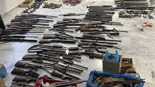 Κρήτη - Κύκλωμα εμπορίας όπλων: «Μηχανάκια» τα καλάσνικοφ με ταρίφα έως 2.000 ευρώ