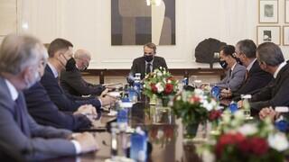 Μητσοτάκης: Εξετάζονται τρόποι για τη χρηματοδότηση επιχειρήσεων - Κίνητρα για τις συγχωνεύσεις
