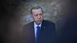 Περικοπές στον προϋπολογισμό και... αύξηση του μισθού του αποφάσισε ο Ερντογάν