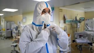 Κορωνοϊός - ΠΟΥ: Έως 180.000 οι θάνατοι των επαγγελματιών υγείας από την πανδημία