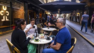 Κορωνοϊός- Μελβούρνη: Οι κάτοικοι γιόρτασαν την άρση του μεγαλύτερου χρονικά lockdown παγκοσμίως