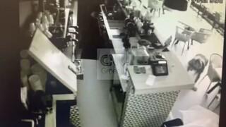 Αποκλειστικό CNN Greece: Καρέ - καρέ η δράση της συμμορίας που έκλεβε καταστήματα στα νότια προάστια
