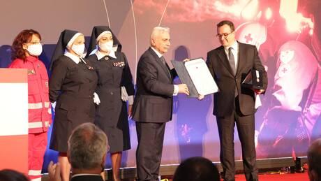 Ο Ελληνικός Eρυθρός Σταυρός τίμησε τον πρόεδρο του ομίλου ΑΝΤΕΝΝΑ Θεόδωρο Κυριακού