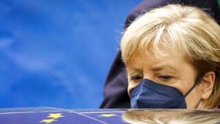 «Ανήσυχη» για τα ανοιχτά μέτωπα στην ΕΕ αποχωρεί η Άνγκελα Μέρκελ
