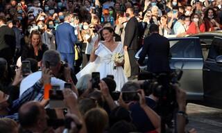 Παντρεύτηκαν στην Μητρόπολη Αθηνών ο Φίλιππος Γλύξμπουργκ και η Νίνα Φλορ