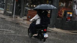 Αλλάζει το σκηνικό του καιρού: Βροχές, καταιγίδες και βοριάδες σήμερα
