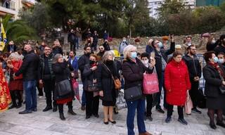 Θεσσαλονίκη: Τεράστιος συνωστισμός πιστών στη λιτανεία του Αγίου Δημητρίου